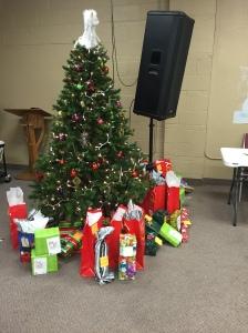 Angel Tree Day Camp Christmas Party 2016 Bridge Of Hope  - Camp Christmas Tree